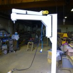 Knuckle arm jib crane - retracted